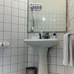 Room 314 bathroom