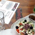 Greek salad balsamico + Pepita: only CHF 9,50