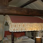 four poster and beams room 8