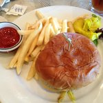 Pulled pork sandwich with fries (lunch menu)