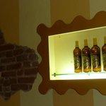 Le bottiglie in esposizione