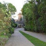 L'entrée du parc, la piscine est à droite sur la photo
