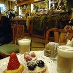 Вкусные сладости к кофе