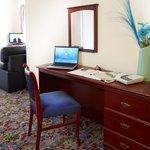 Wokrstation/Desk in all rooms