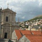 Вид на церковь со стен Старого города