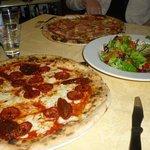 Pizza Prosciutto e funghi, Insalata Mista, Pizza Calabrese