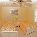 2nd Bedroom in 2 Bed Condos with twins option