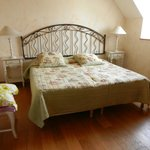 chambre avec 2 lits jumeaux