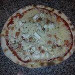 une des pizza (fromagère)