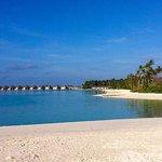 Strand mit bungalows