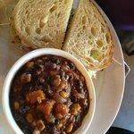 Avacado sandwich + lentil soup
