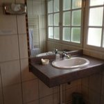 Salle de bains sommaire