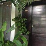 Suite 01 entrance