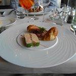 l'entrée, terrine de foie gras et pressé de pot-au-feu :-)