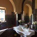 Galaxy Suite bathroom