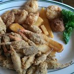 crab claws , shrimp and fries