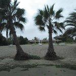 entre el hotel y la playa