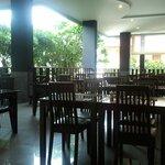 Breakfast & Lunch Dining Room