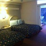 2 room suite (pool view)