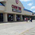 Chow Time- in empty strip mall
