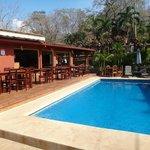 Pool/restaurant