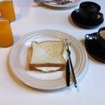 簡単な朝食 breakfast