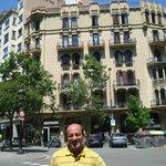 Vista externa de la esquina del Hotel que da sobre el Paseo Cataluña.