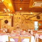 Foto Meze Meze Tavern