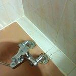la robinetterie de la baignoire !!