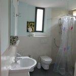 Чистое и просторная ванная комната