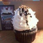 Chocolate Macaroon Cupcake