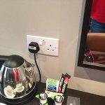 plug at mirror