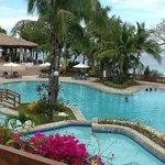 The pool of Alegre Beach Resort
