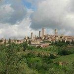 Blick auf San Gimignano nach ca. 600m Fußweg vom Hotel entfernt