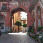 ingresso nella plaza