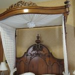 Rosewood Room Bed