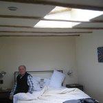 Dormitorio con luz cenital