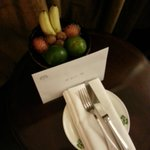 Welcome letter and fruit bowl