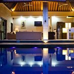 Across the pool into the lounge - WOW!!