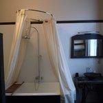 Badewanne im Zimmer