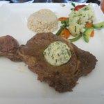 steak made medium well