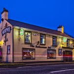 Rathcormac Inn @ night