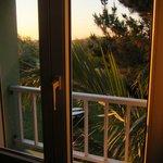 Vue depuis la fenêtre de la chambre, au lever du soleil
