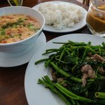 Stir Fried Water Spinach Beef and Tomato Egg Soup