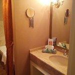 Bathroom w/soaker tub