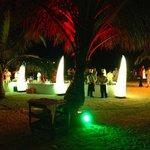 Un must, plusieurs fois par semaine, le Manta 5 tridents organise un apéro sur la plage...