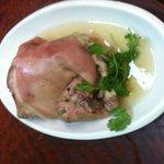 道地的大硝蹄,風味紅扒全鴨,比台灣銀翼好吃