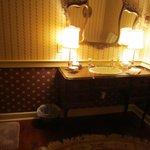Washington room bath