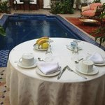 Awaiting breakfast by the pool