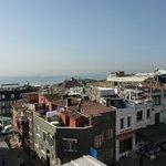 Blick von der Terrasse - im Hintergrund das Marmarameer